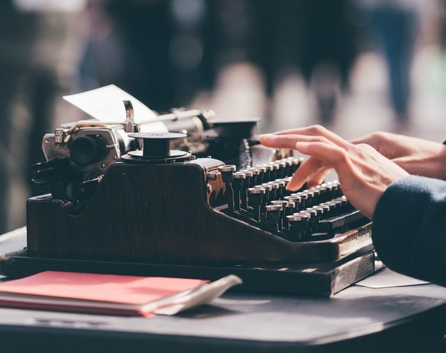 An old typewriter depicting tone of voice for marketing strategy